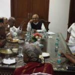 श्री देवगौड़ा परिवार के साथ डॉ. वैदिक का भोज
