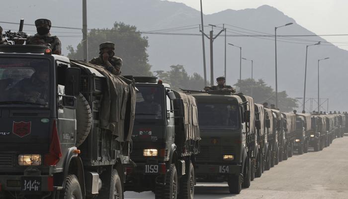 कश्मीर में हड़कंप क्यों है?