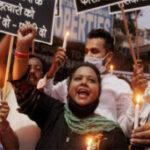 बलात्कार पर राजनीति ?